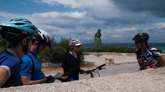 Aegina - Mother's statue