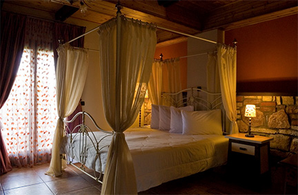 Aiolides_hotel_room